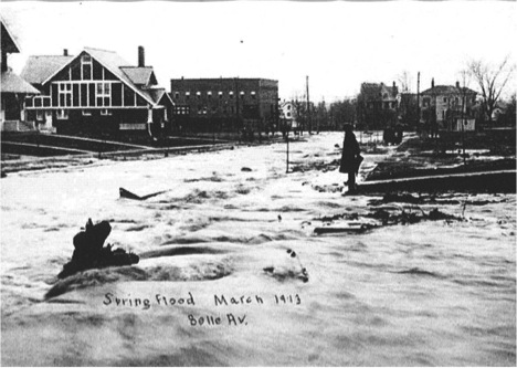 Belle-Avenue-flooding